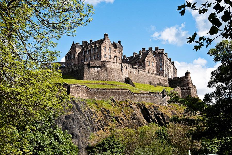 EdinburghCastle-CraigCormack-900